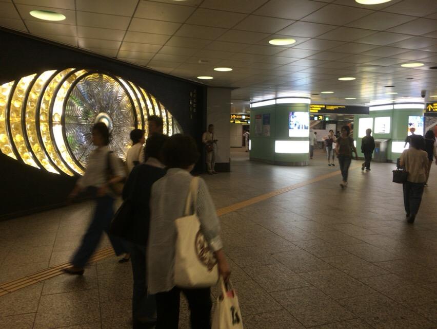 現在の新宿西口地下広場